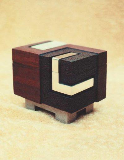 box: vermilion wood, brass (view #1)
